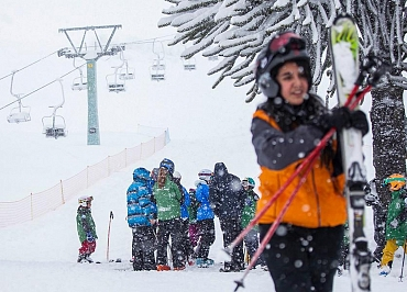 Sigue estos consejos para esquiar sin accidentes