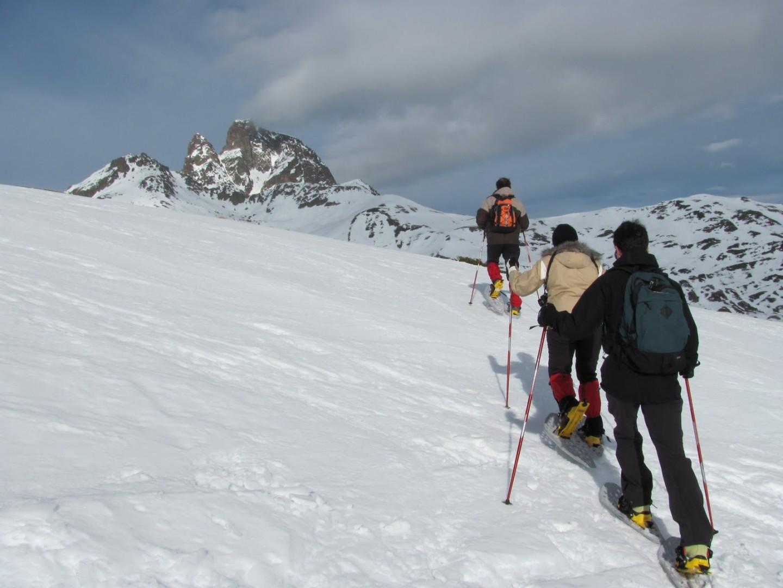 Raquetas de nieve en formigal experiencias deportivas for Jardin de nieve formigal